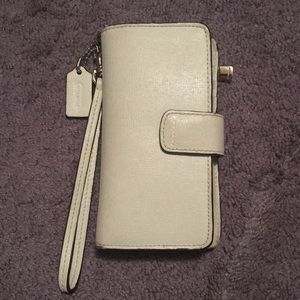 Authentic coach wristlet/wallet